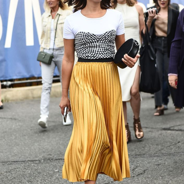 c4a098e49 Street Style Guide to How to Wear a Pleated Skirt