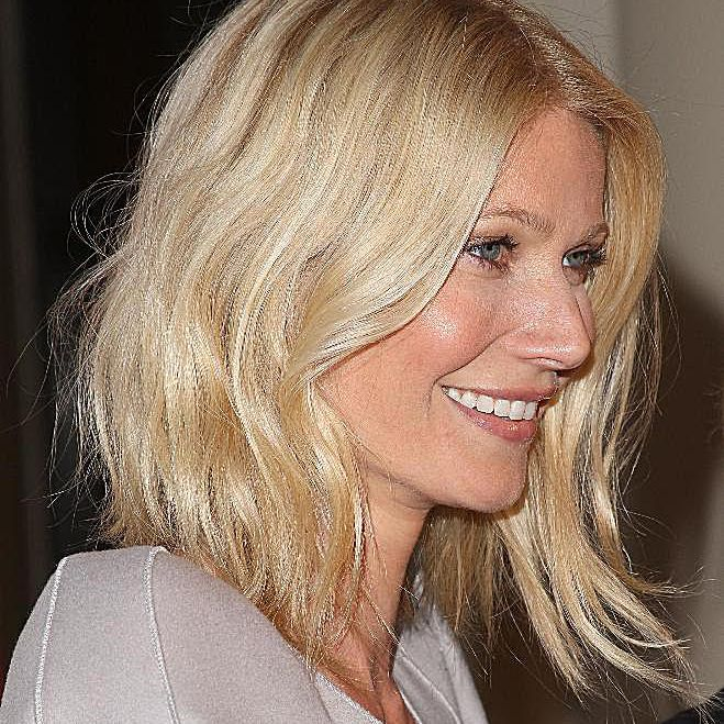 Actress Gwyneth Paltrow attends the Los Angeles premiere of 'Valentino: The Last Emperor' on April 1, 2009 in Los Angeles, California
