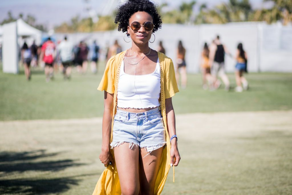 463c3978d 12 Stylish Ways to Wear Denim Shorts This Summer