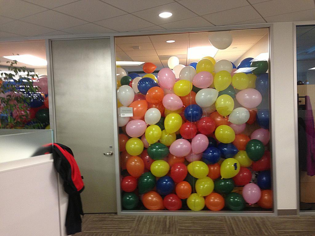 balloon-office-prank.jpg