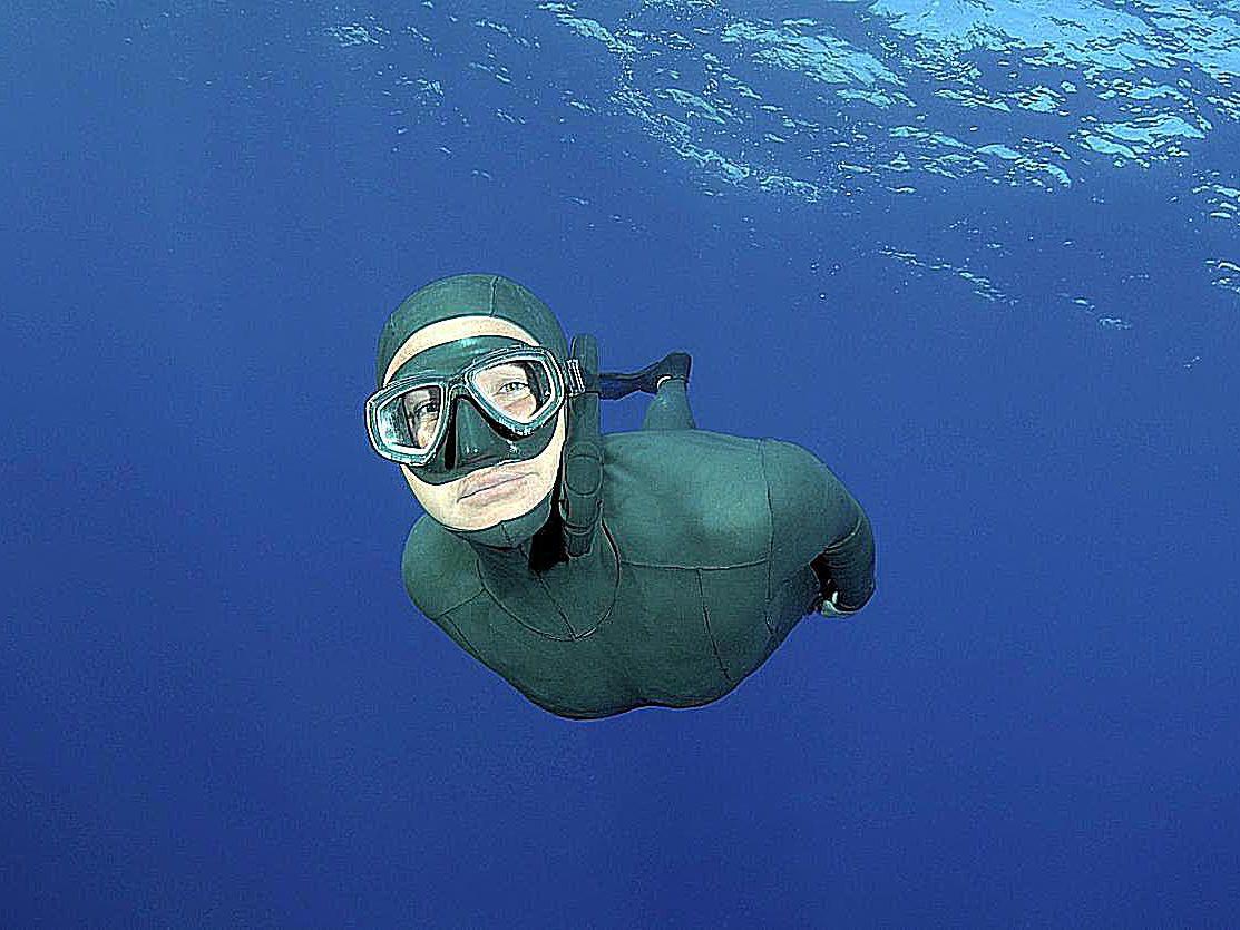 5 Perbedaan Scuba Diving Dan Free Diving