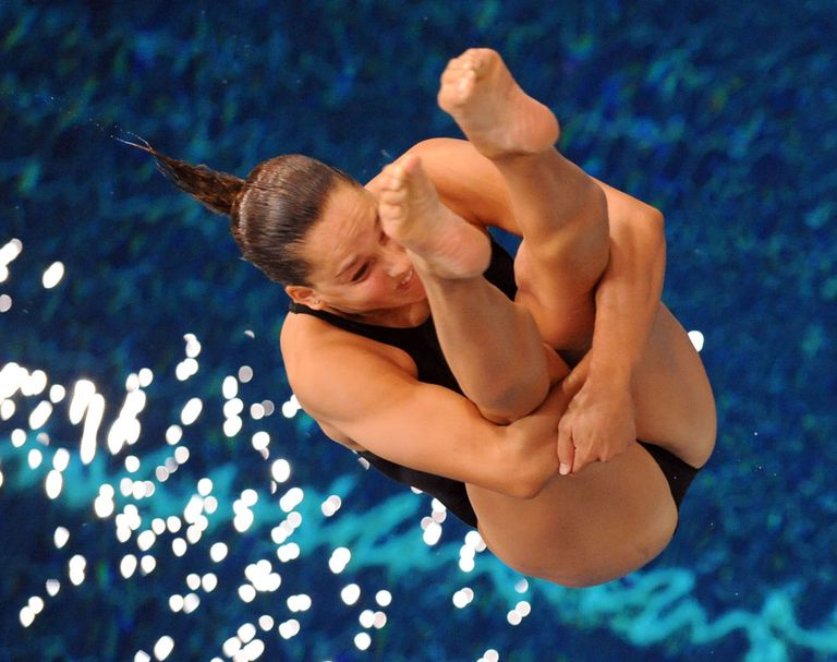 Christina Loukas diving