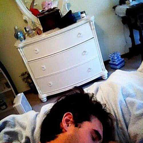 fake-sleeping-in-vanity.jpg