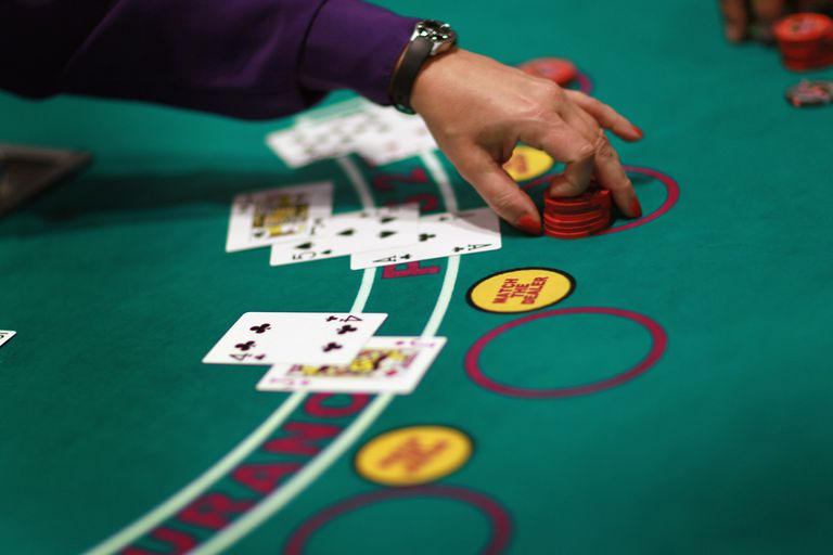 Keys to Winning at the Blackjack Table