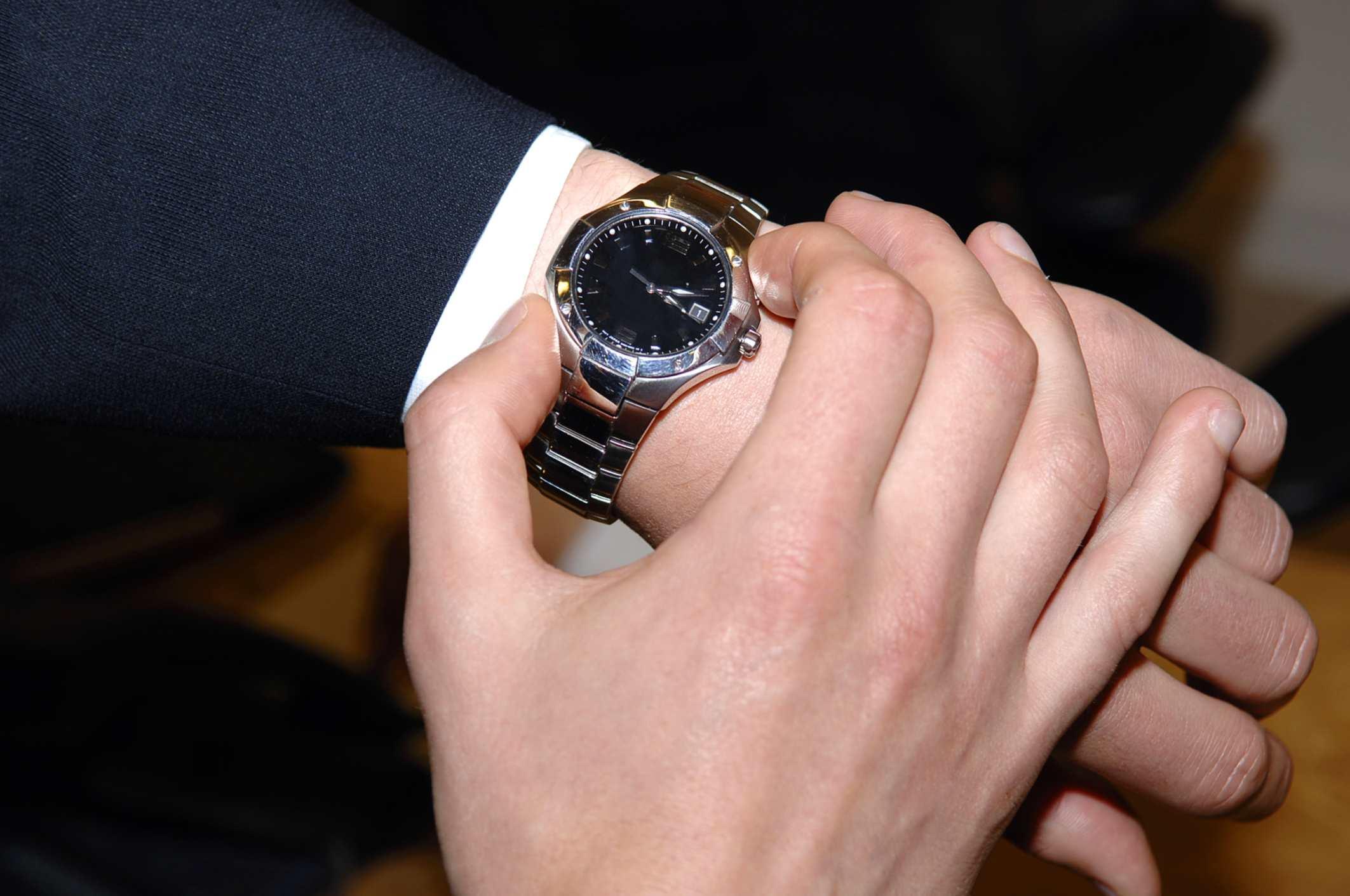 Male adjusting watch