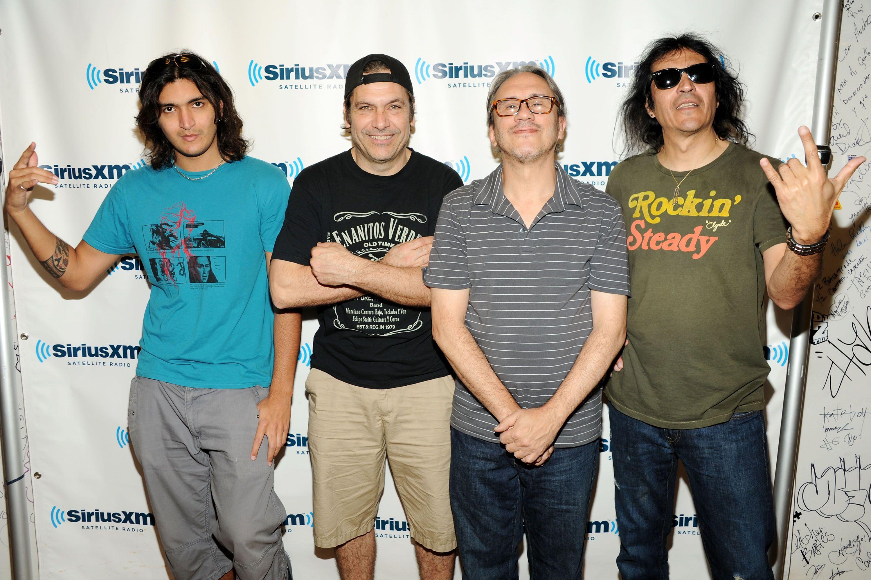 Latin rock band Enanitos Verdes