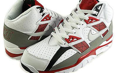 d0e679ff51 The Best Styles of Old-School Sneakers
