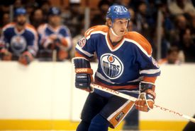 Wayne Gretzky playing for the Edmonton Oilers v New Jersey Devils