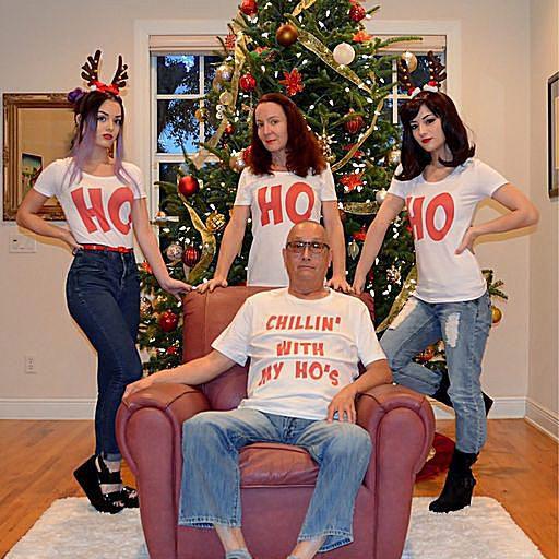 Weird Family Christmas Photos 6