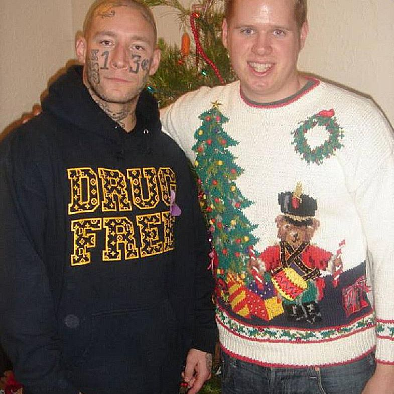 funny-christmas-cards-brothers-weird.jpg
