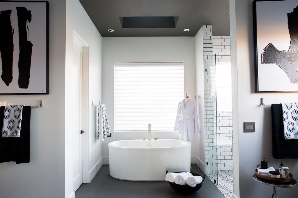 Image of the 2017 HGTV Smart Home's Master Bath