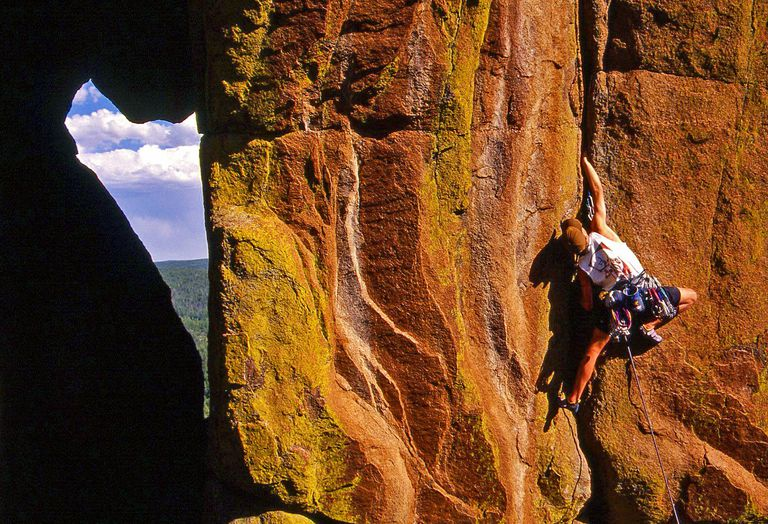 Ian Spencer-Green climbs a crack at Turkey Tail in Colorado