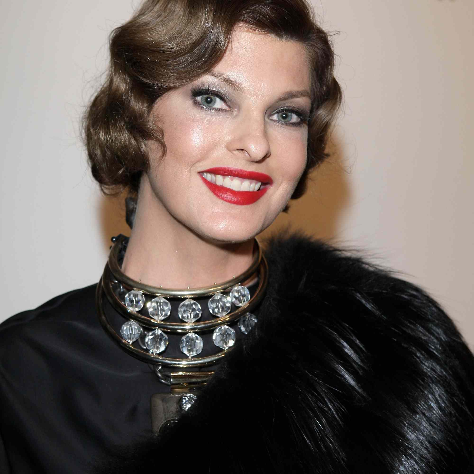 How To Dress Up Short Hair For A Holiday Party
