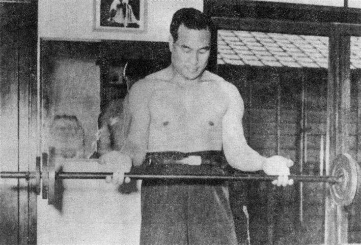 Mas Oyama in training