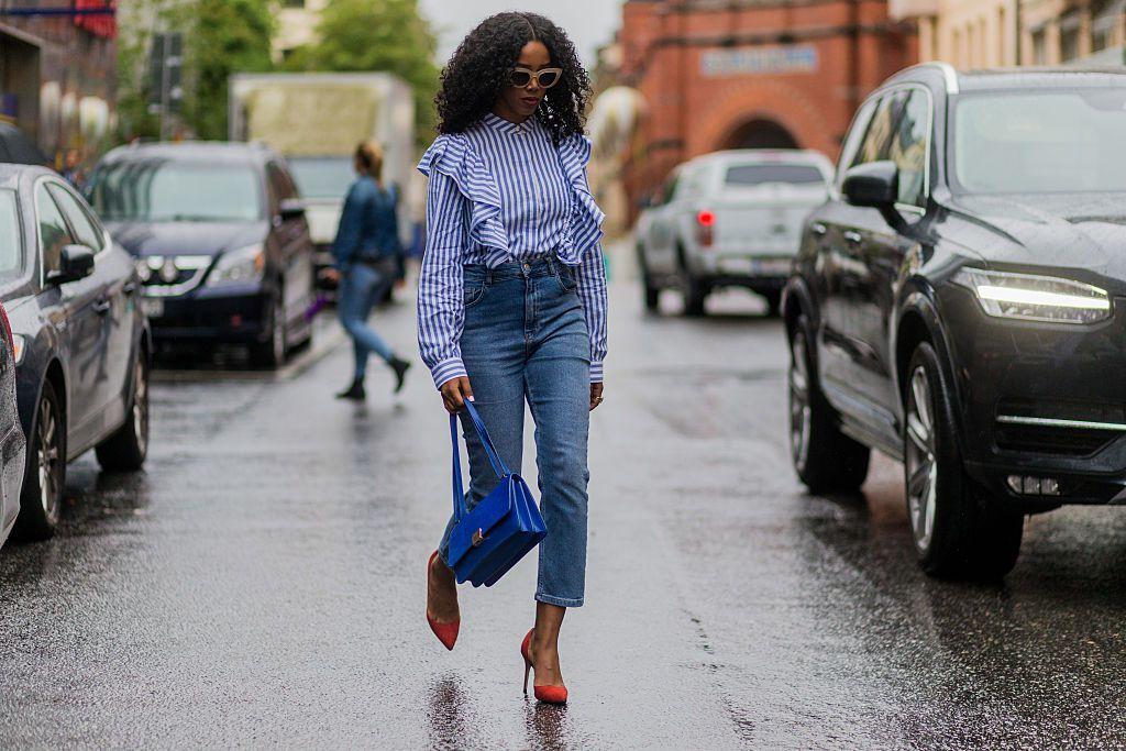 Street style in boyfriend jeans