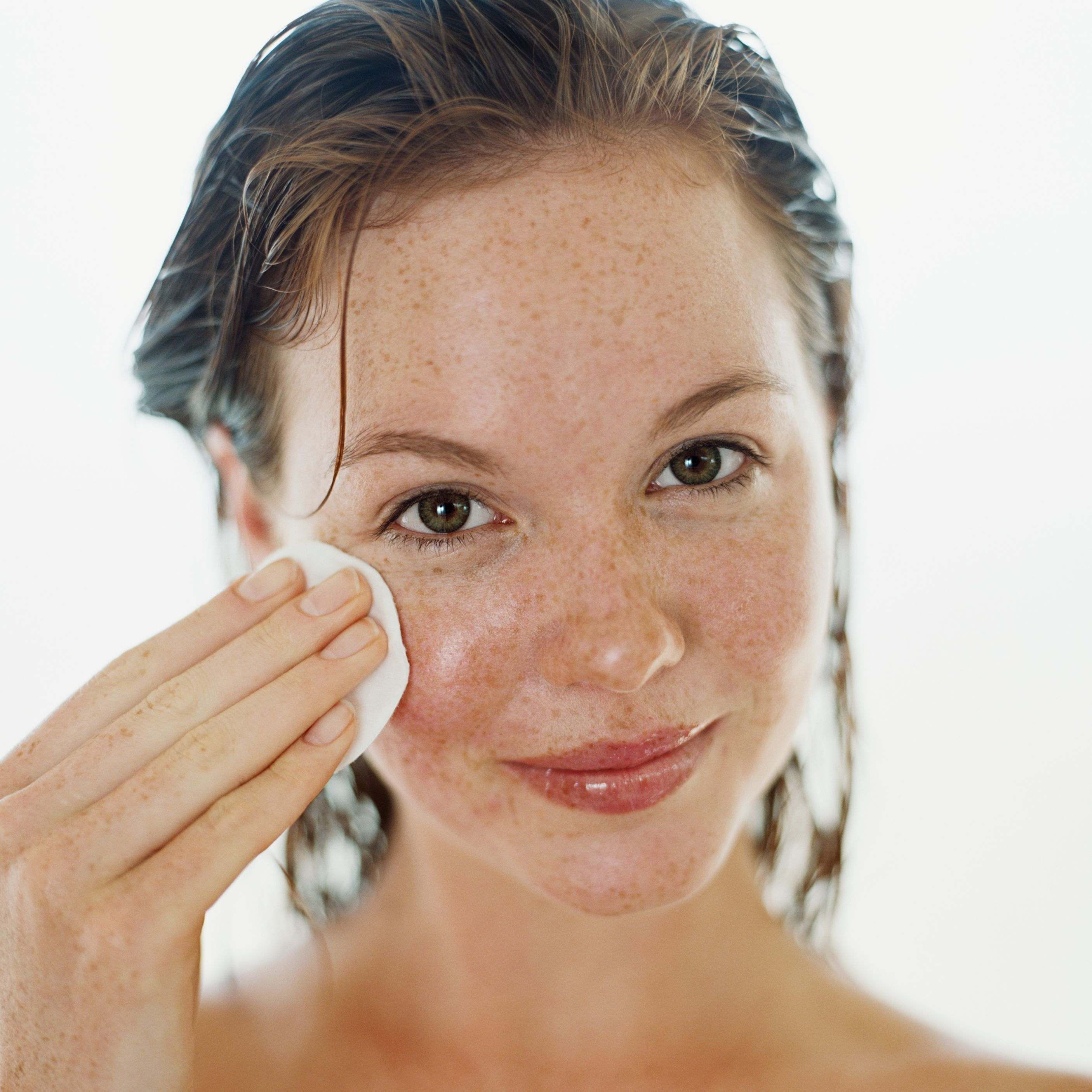 How To Completely Remove Your Makeup