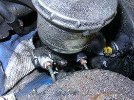 Master cylinder and brake lines