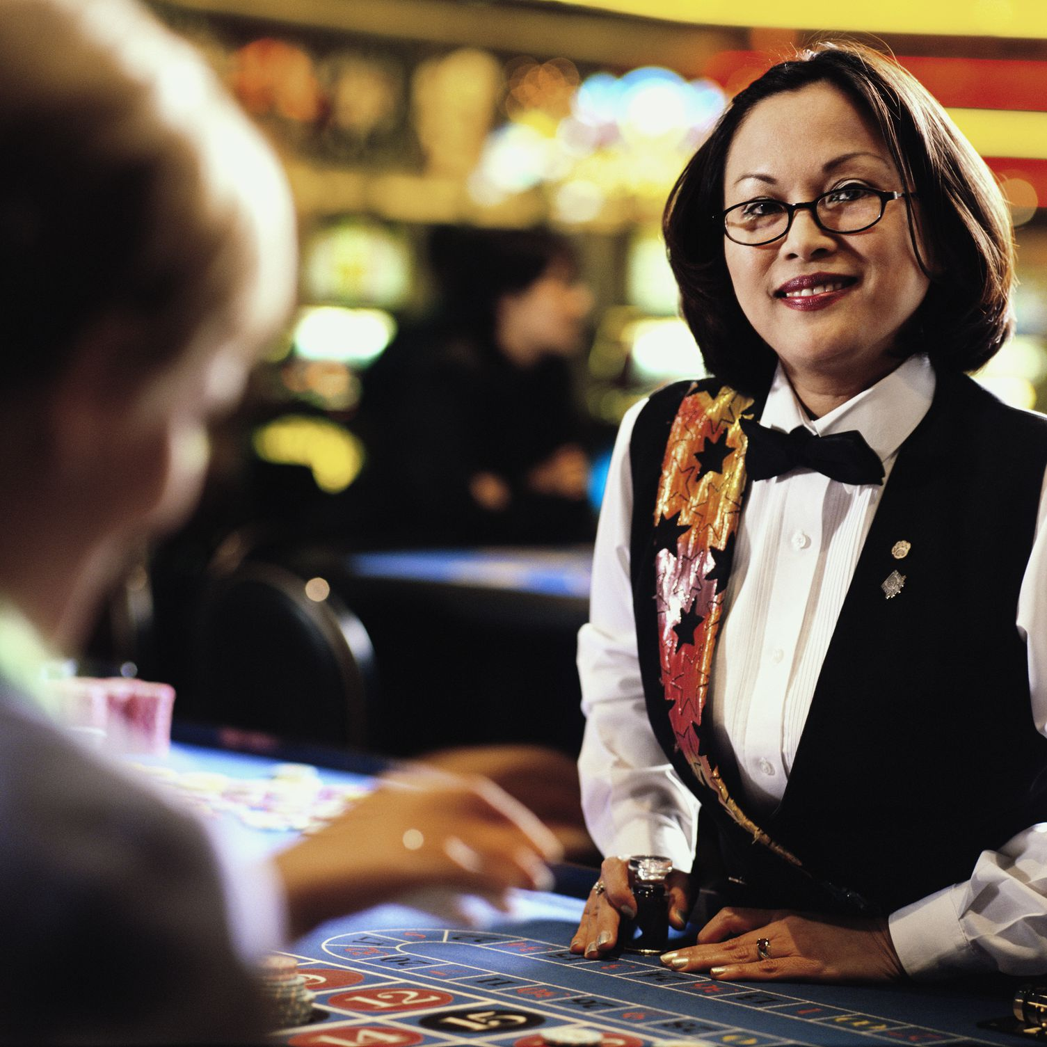 how much do casino jobs pay