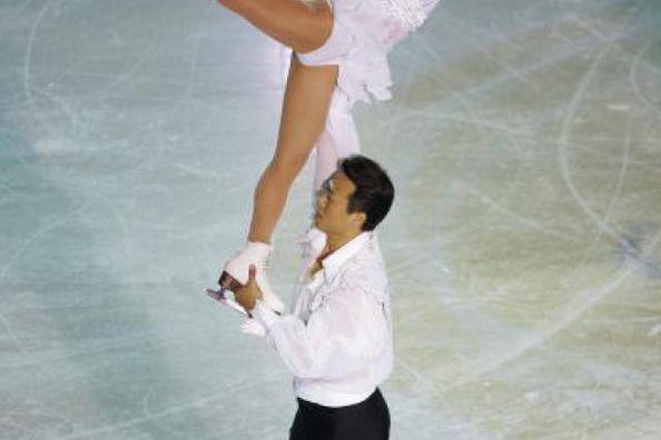 Xue Shen and Hongbo Zhao - Chinese and World Pair Skating Champions