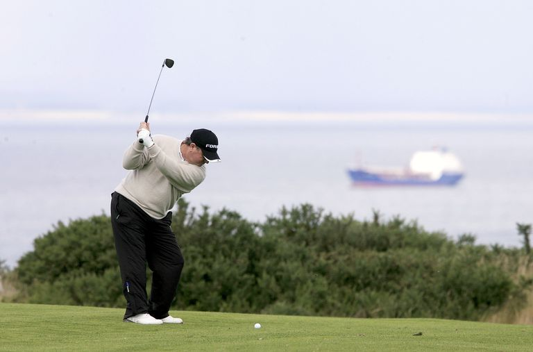Ian Woosnam, 3-time Scottish Open winner, tees off in 2009
