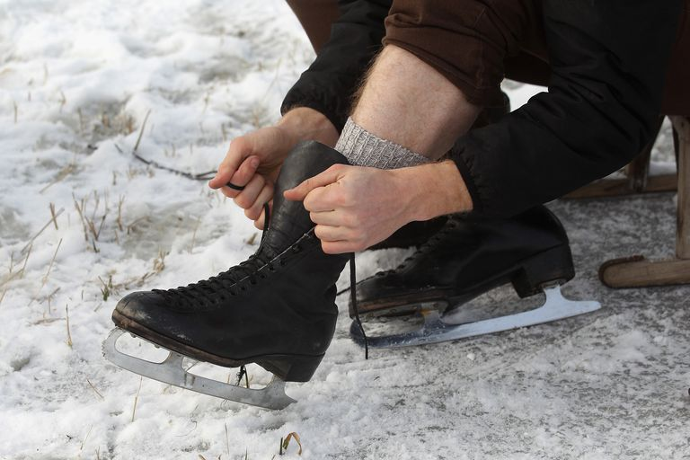 Lacing figure skates
