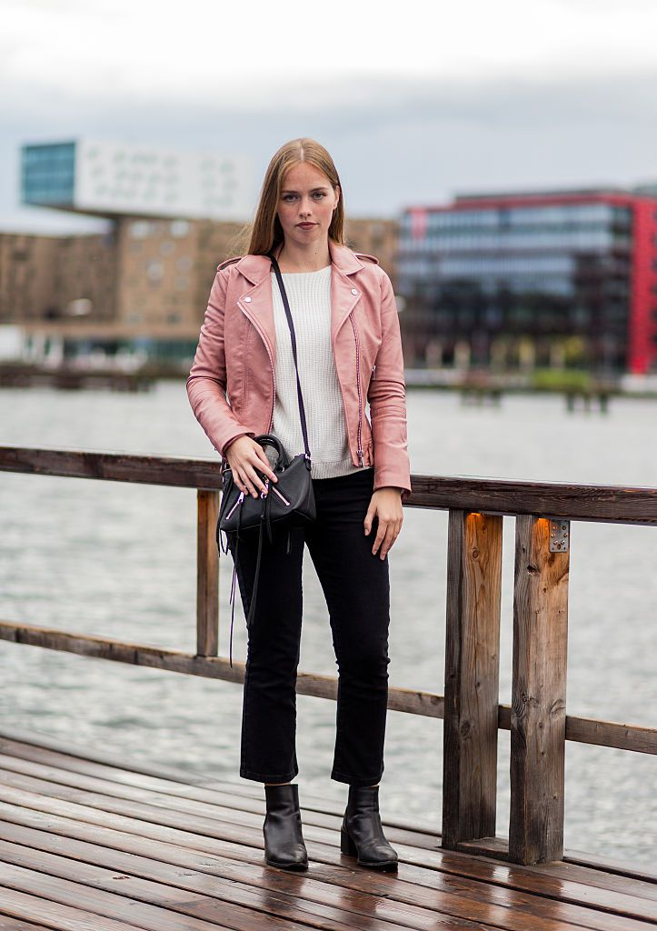 cccad34a45f Street style jeans and pink leather jacket