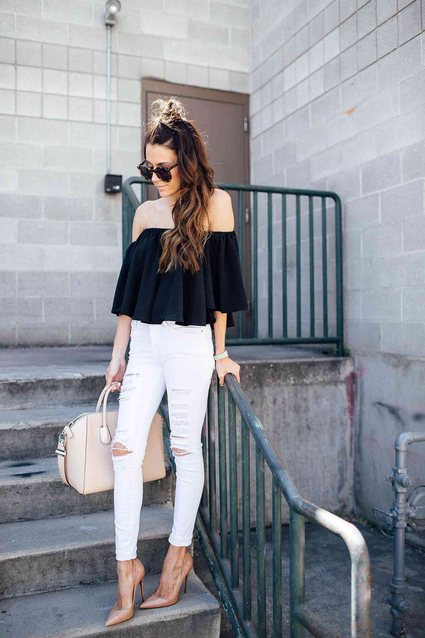 dbcde5f3b8b 14 Chic Ways to Rock White Skinny Jeans
