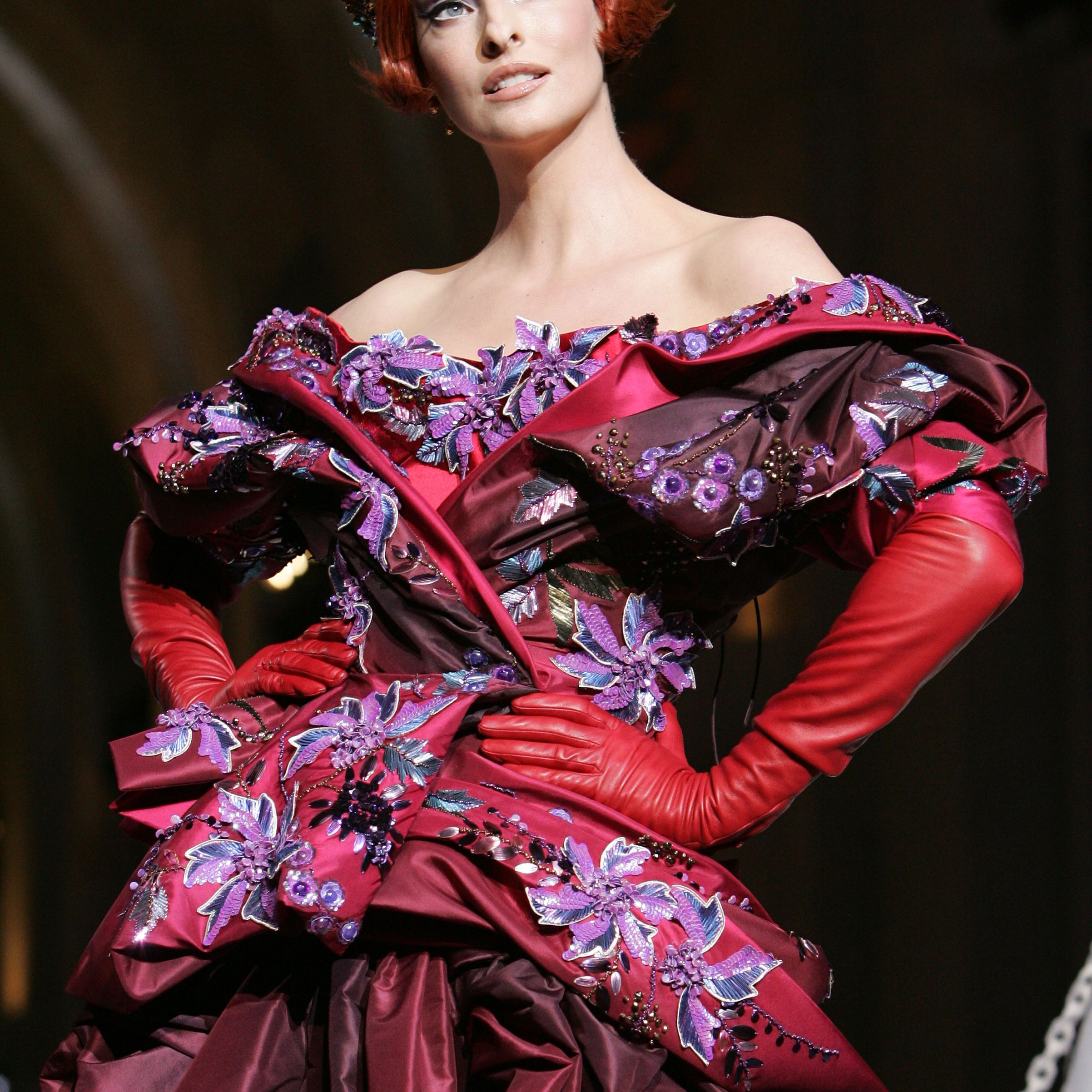 Linda Evangelista walks down the catwalk wearing Dior Haute Couture Fall/Winter 2008 on July 2 in Versailles, France.