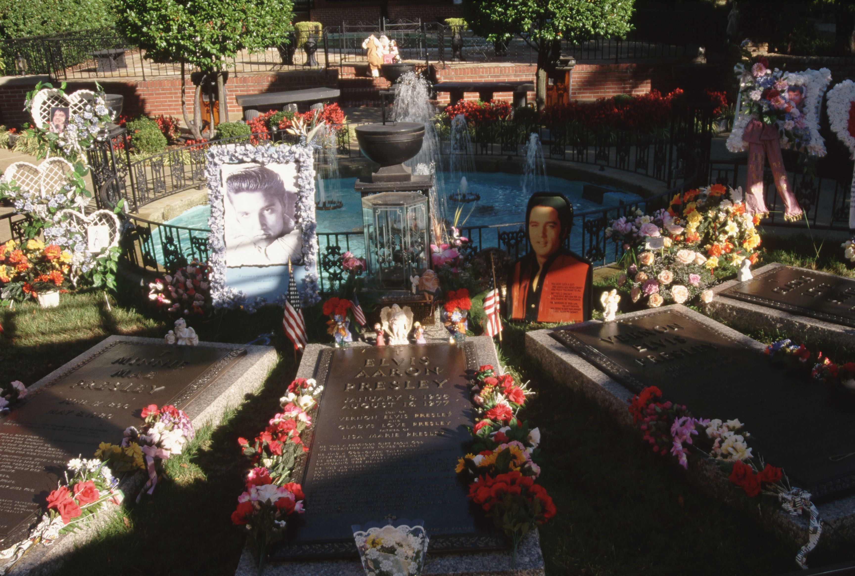 Elvis Presley's grave in the Meditation Garden at Graceland.