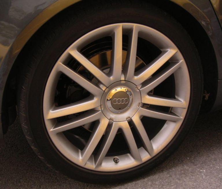 2007 Audi S8 wheels