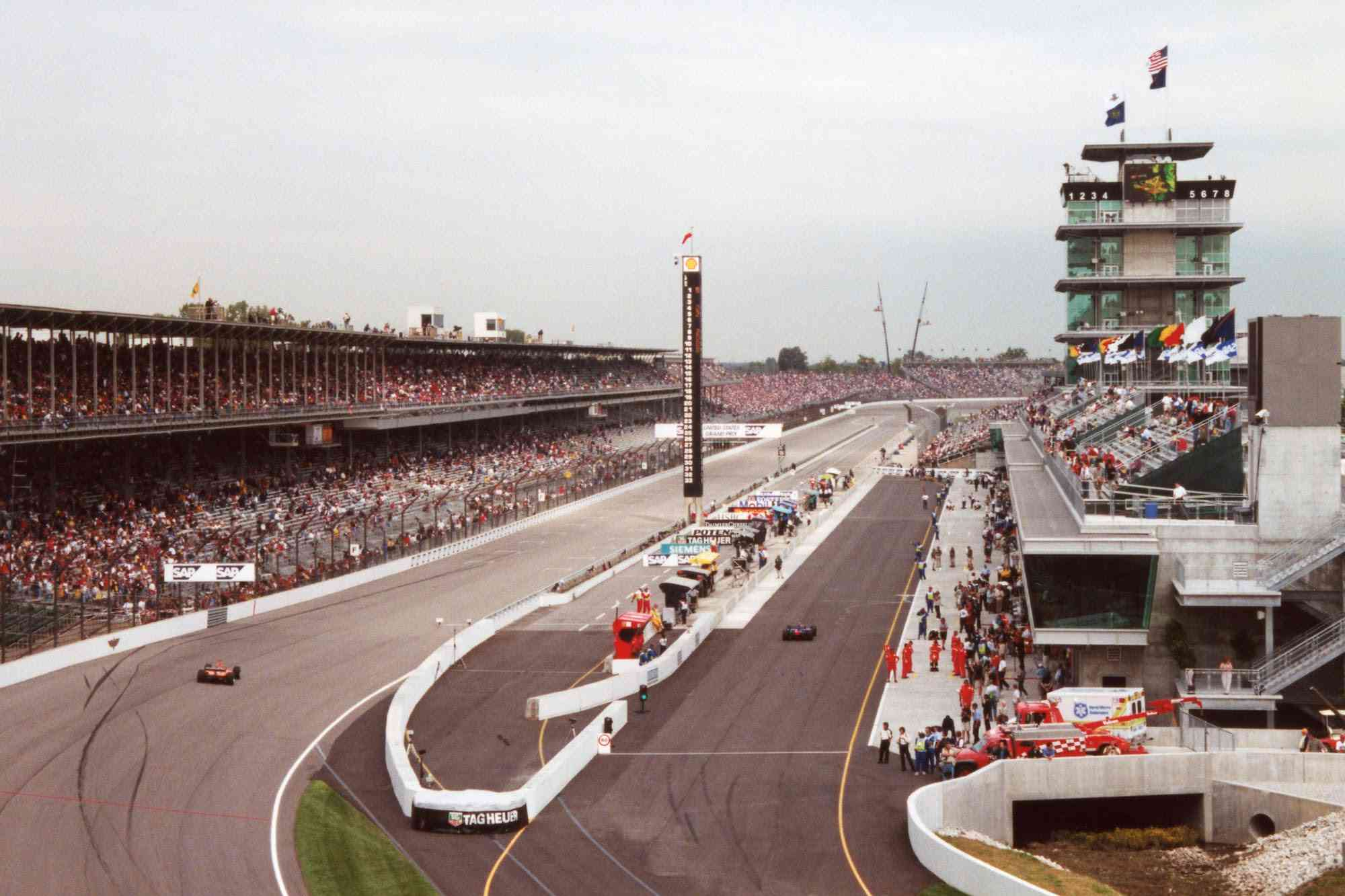 The 2000 United States Grand Prix was the first event at IMS to be held clockwise.