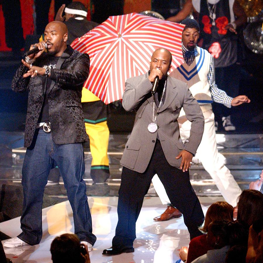 OutKast performing