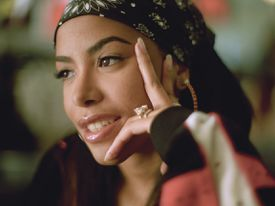 Close up full color photo of Aaliyah.