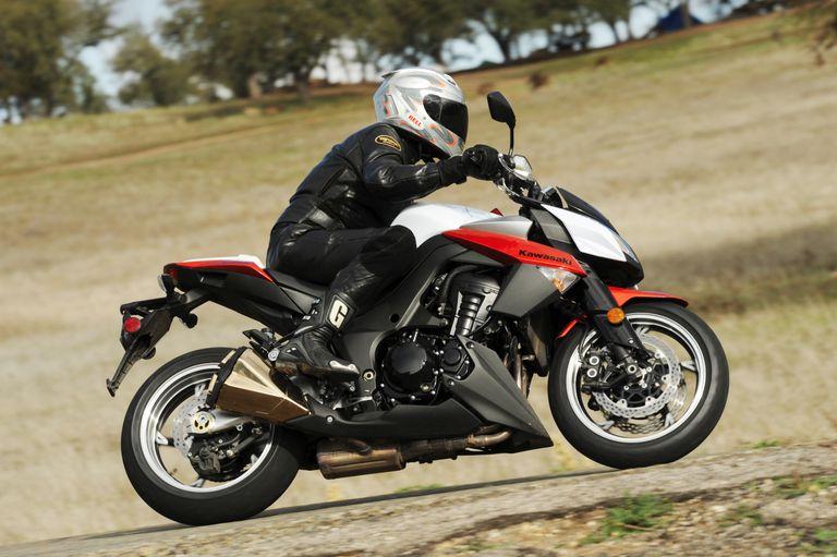 2010 Kawasaki Z1000 Motorcycle Review