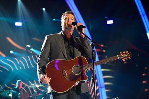 Blake Shelton performs onstage during the 2017 CMT Music Awards at the Music City Center on June 7, 2017 in Nashville, Tennessee