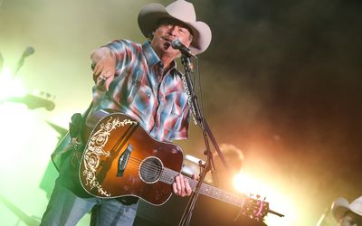 The 10 Best Inspirational Country Music Songs