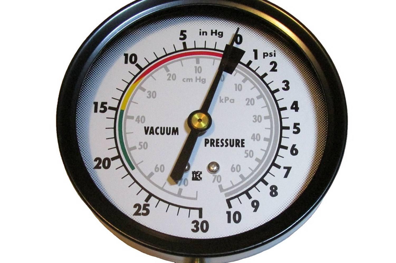 a basic engine vacuum gauge