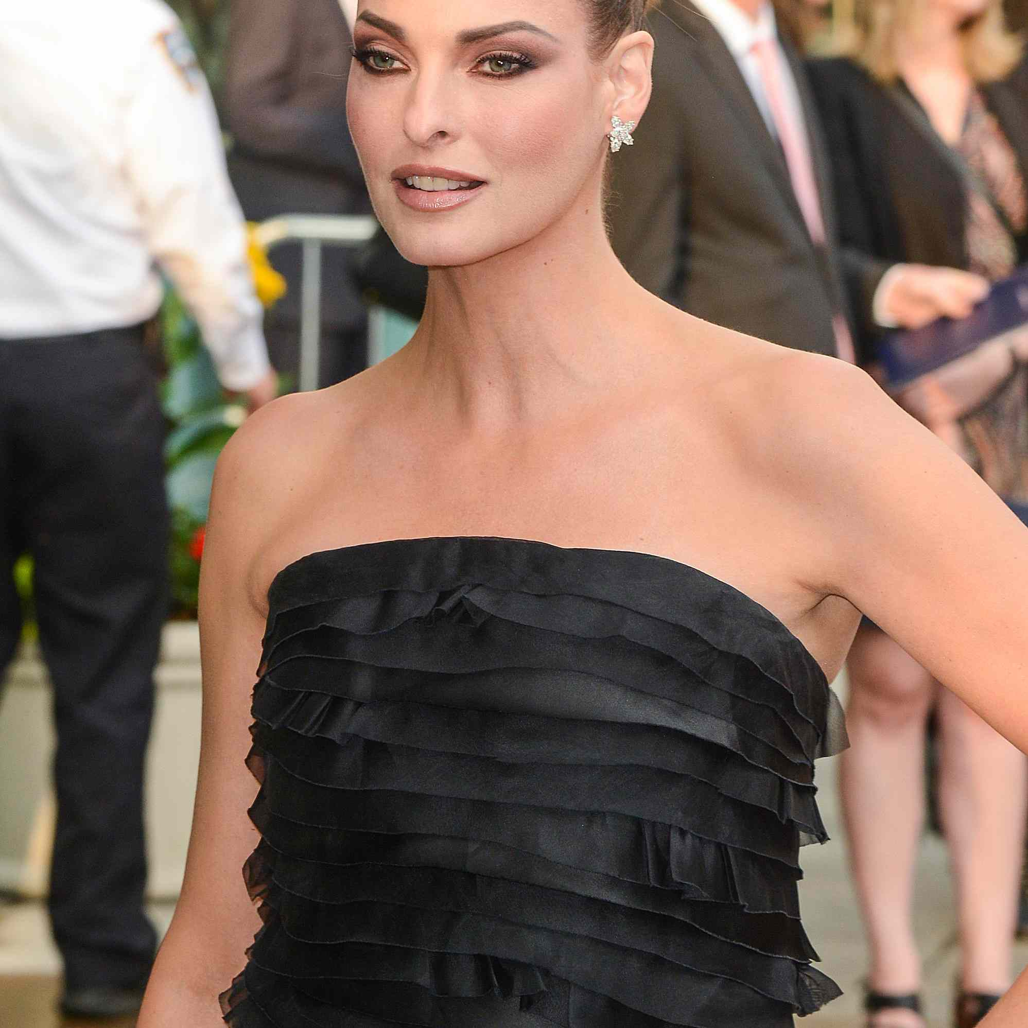 Model Linda Evangelista enters the 2013 CFDA Fashion Awards on June 3, 2013 in New York, United States.