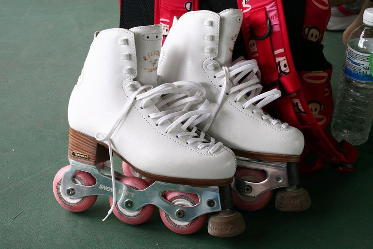 Snow White Inline Figure Skates