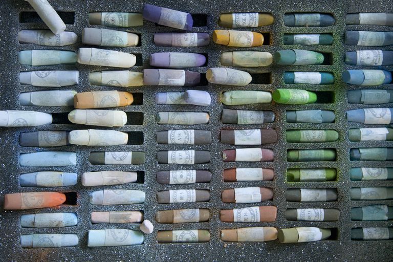 Mixed color chalks