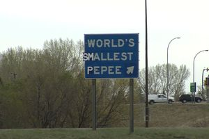 world's smallest pepee sign