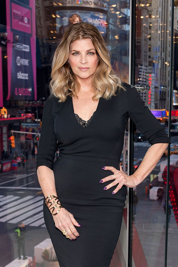 Kirstie Alley visits 'Extra' at their New York studios at H&M in Times Square on January 5, 2016 in New York City.