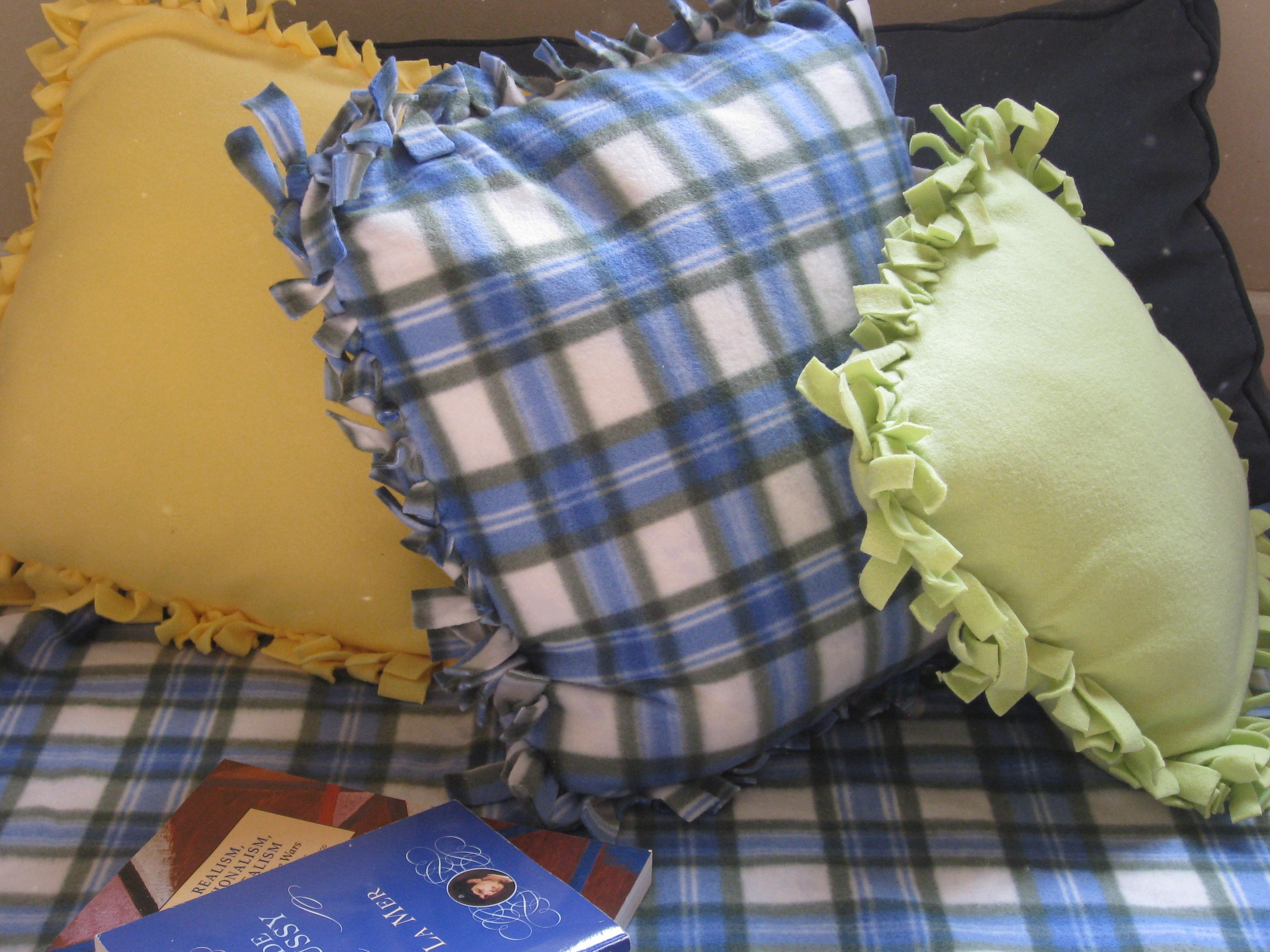easy diy throw pillow covers step by step tutorial.htm dorm crafts easy no sew fleece pillows  dorm crafts easy no sew fleece pillows