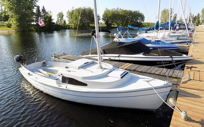 Review of a West Wight Potter 19 Sailboat
