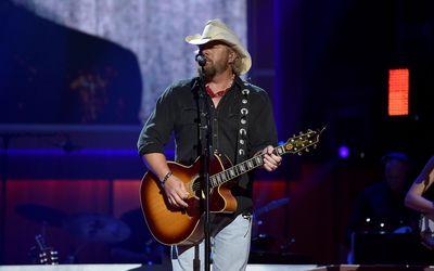 The Top 75 Country Breakup Songs
