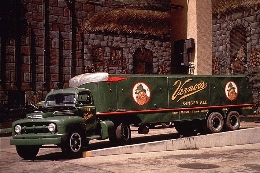 1953 Ford F-8 Big Job Truck
