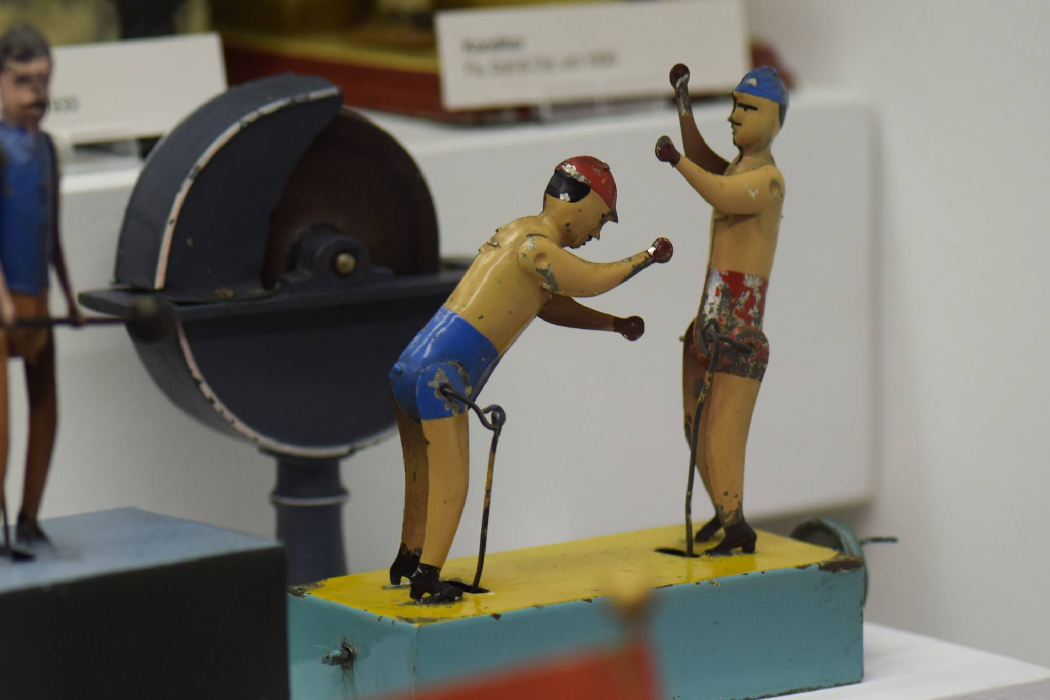 Antique tin toy wind-up boxers