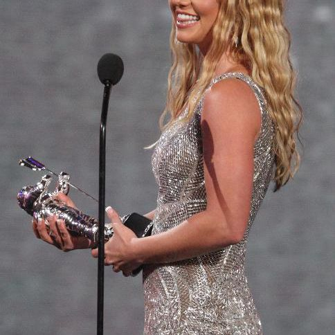 Singer Britney Spears accepts an award at the 2008 MTV Video Music Awards on September 7, 2008 in Los Angeles, California
