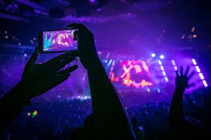 recording a concert on a phone