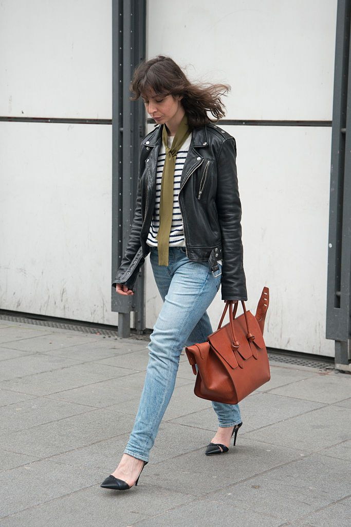 e95811b438 Chic French-Girl Style. Street style jeans and leather jacket